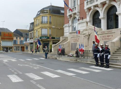 accords d'Evian, guerre d'Algérie, vouziers, annciens combattants,hommage aux morts