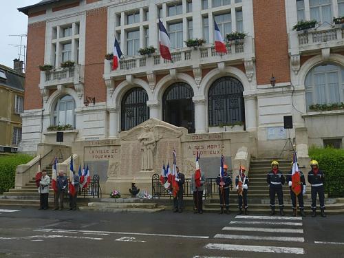 Cérémonie centenaire Verdun 05.206 019.jpg