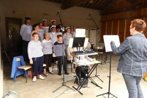 Le groupe vocal Les embruns d'Ardenne et leurs chants marinsP1010546.jpg